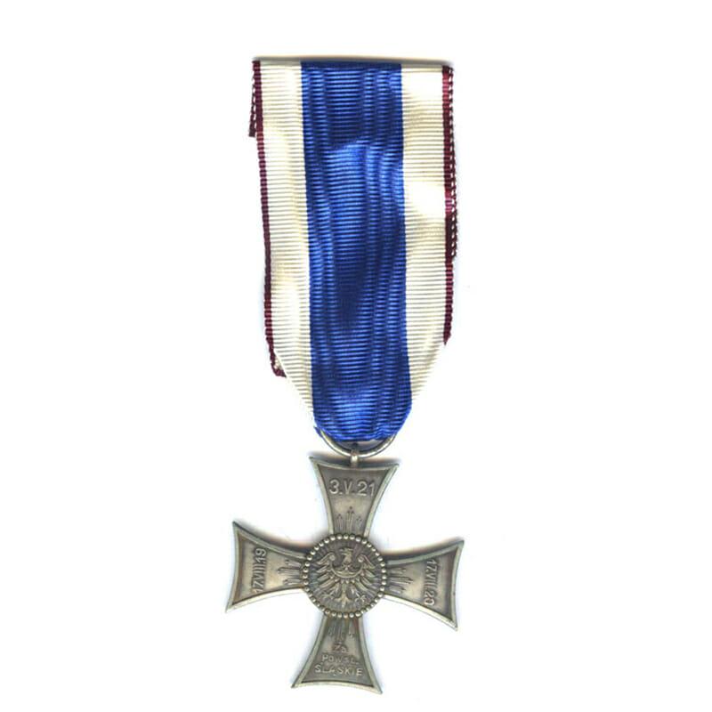 Cross of Valour  and Merit on Silesian Sash type 2 1927 2