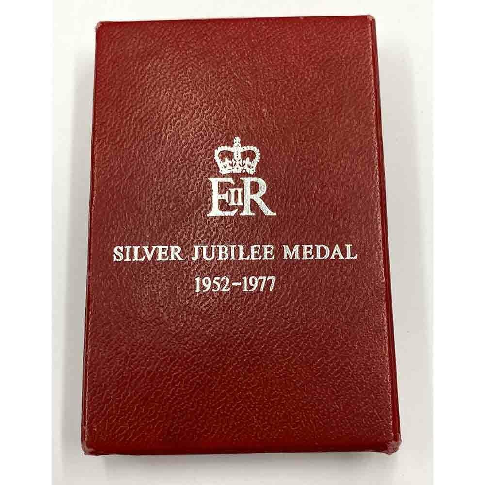 1977 Jubilee medal EIIR 3