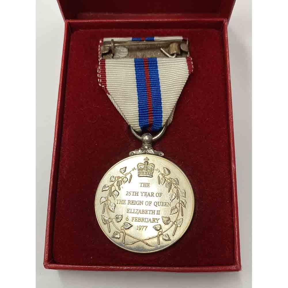 1977 Jubilee medal EIIR 2