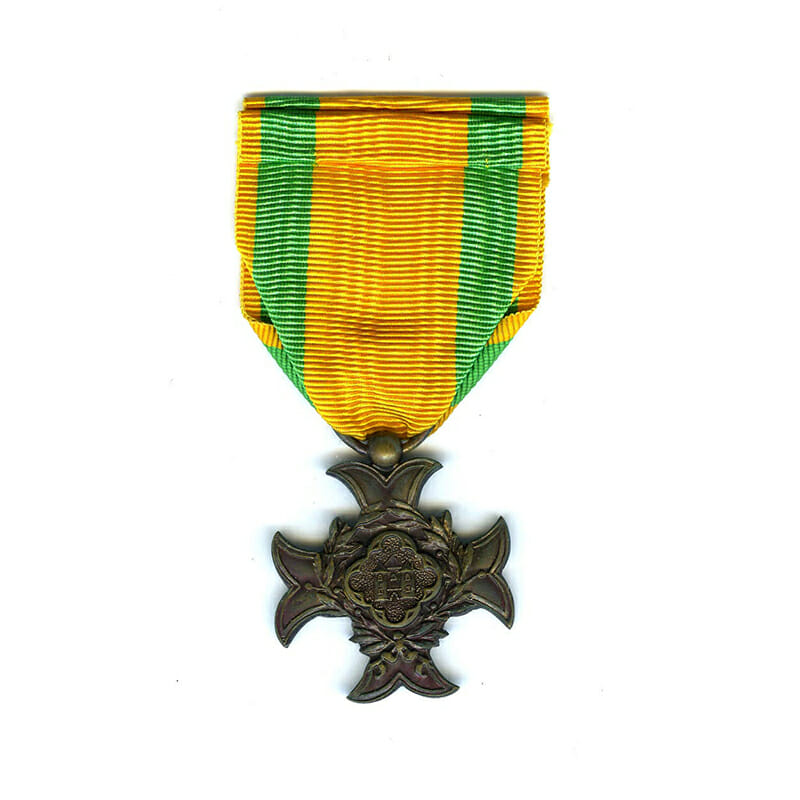 Cross of Service for 10 years in Customs 2