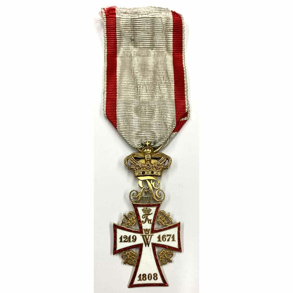 Order of Dannebrog Knight  Frederick VIII  in gold 1