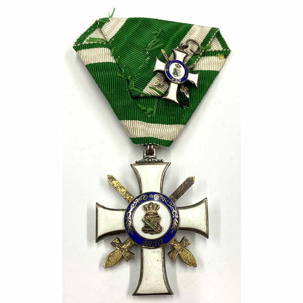 Order of Albert  Knight  2nd class  with Swords in silver gilt 2
