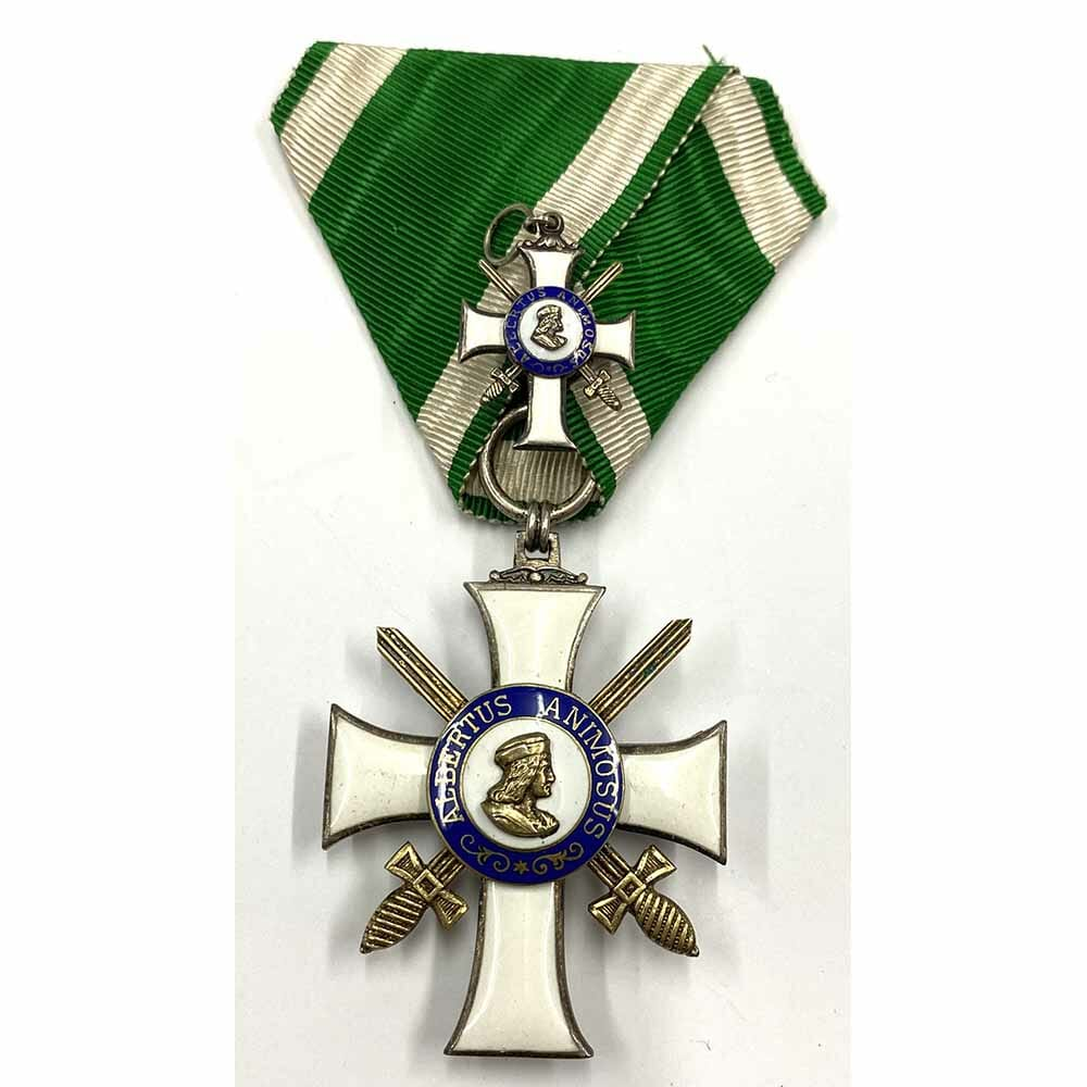 Order of Albert  Knight  2nd class  with Swords in silver gilt 1