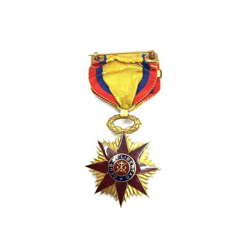 Military Order of Foreign Wars in gold 2