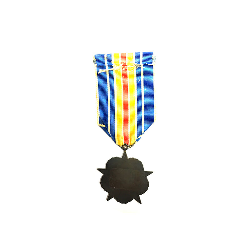 WW1 Wound medal red enamelled star in wreath 2