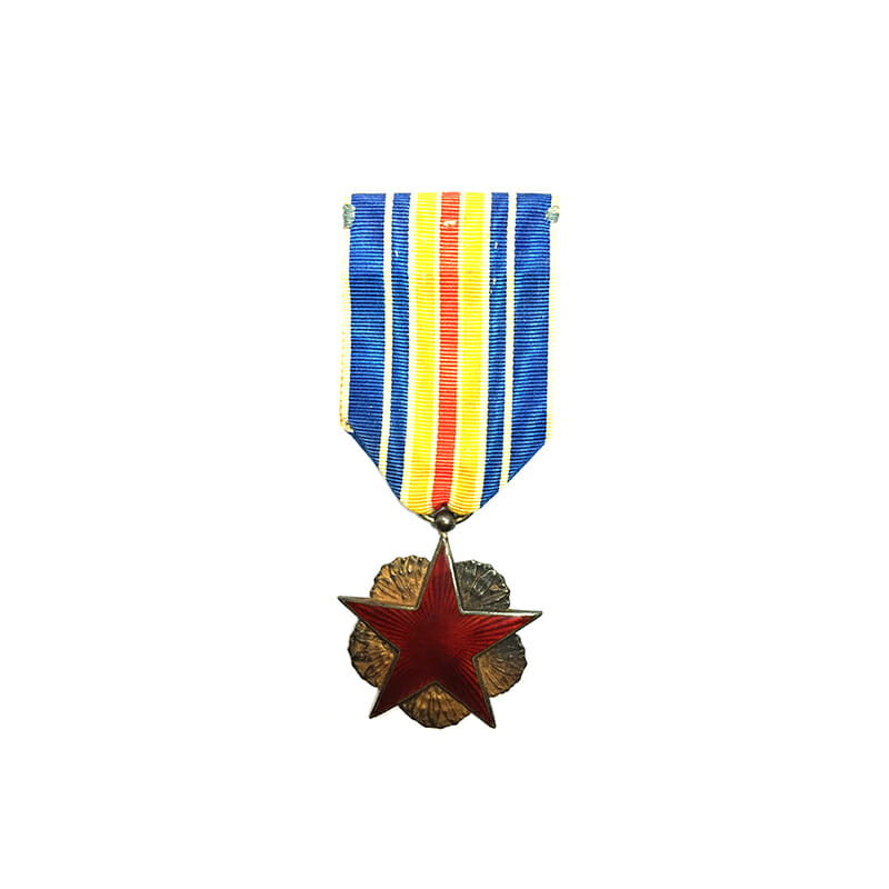 WW1 Wound medal red enamelled star in wreath 1