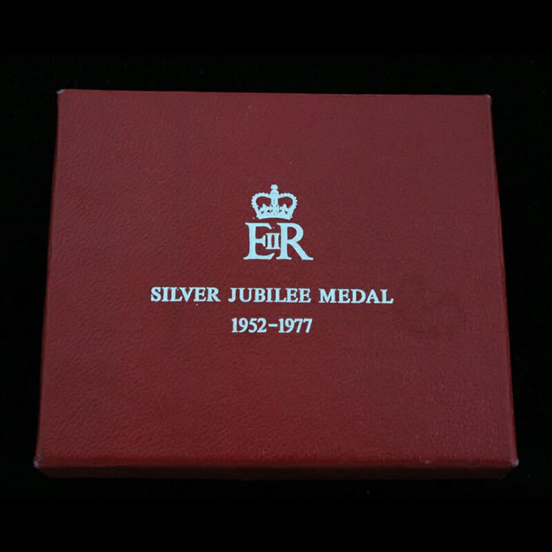 1977 Silver Jubilee Medal 3