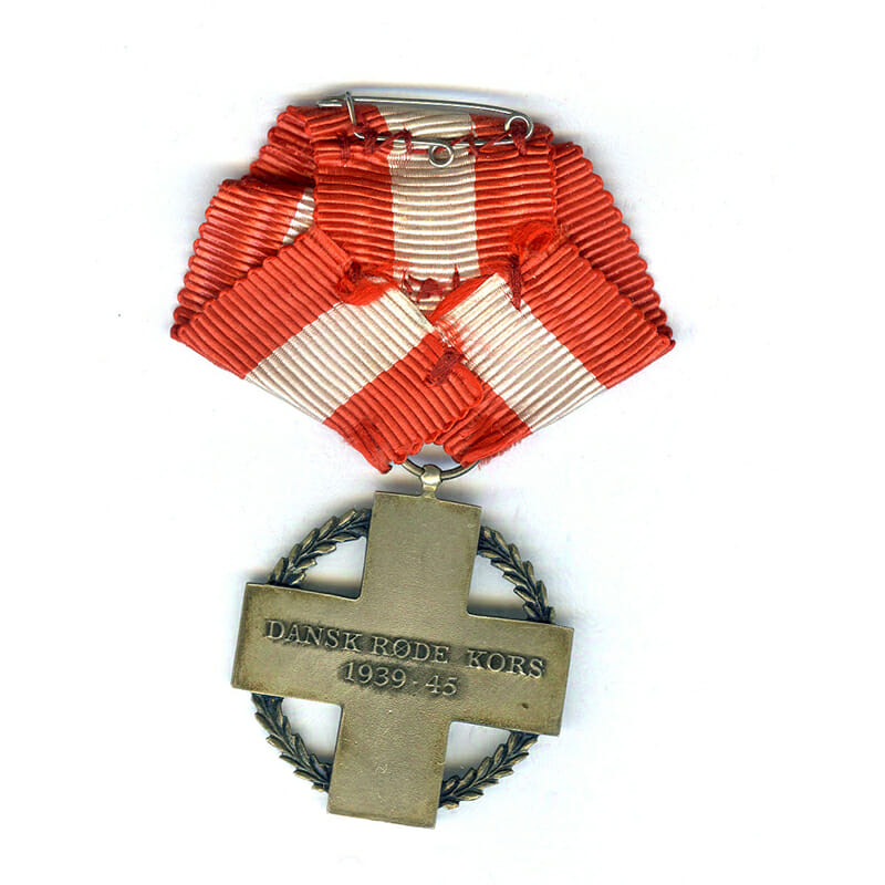 Red Cross medal  for Relief Work 1939-45 2